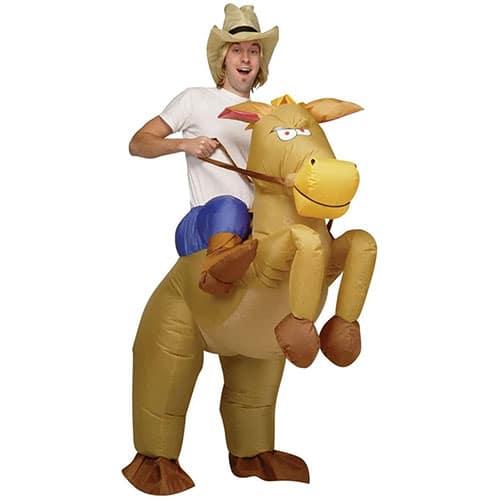 meilleur-Deguisement-Cowboy-Adulte-Sur-Cheval-Gonflable-topifive