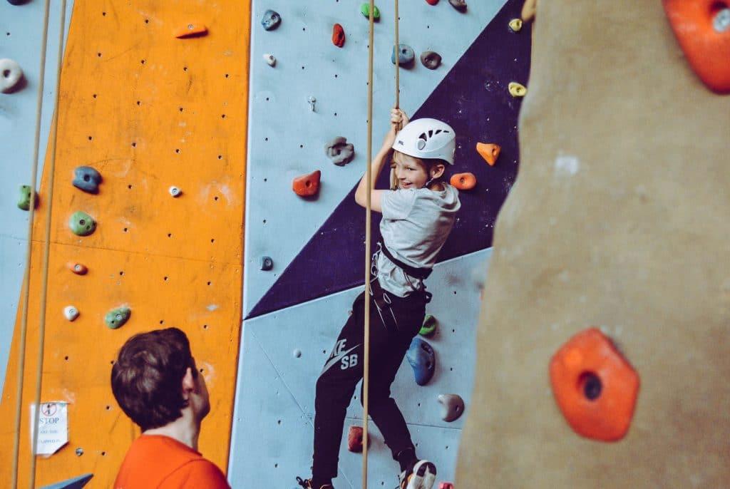 escalade-enfant-sport-guide